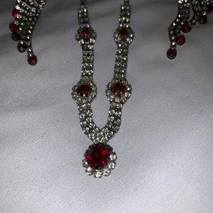 Jewelry - Vintage rhinestone set